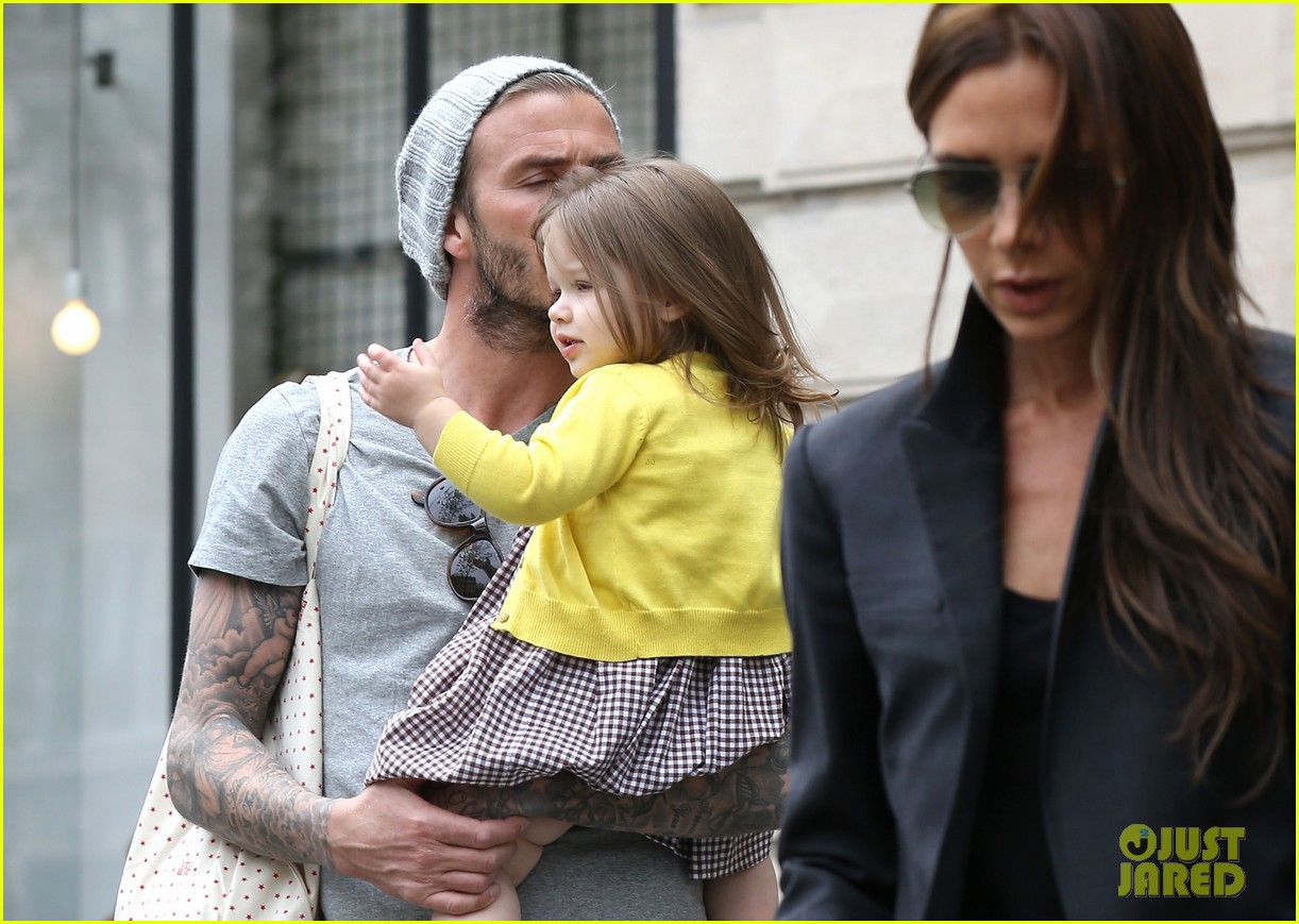 david victoria beckham shopping fun with harper 25