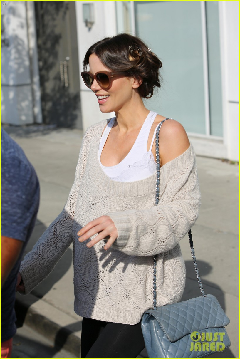 kate beckinsale byron tracey salon visit 042873246