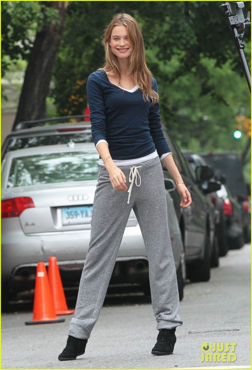 behati prinsloo rocks comfy sweats for photo shoot 012876729
