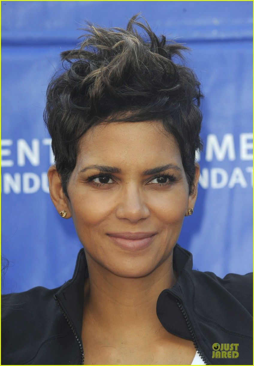 halle berry revlon run for women in la 09