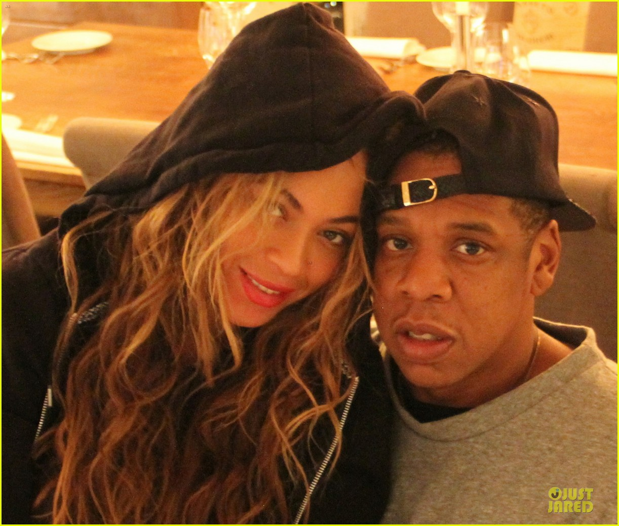 beyonce makes a no pregnancy statement with wine 022881657