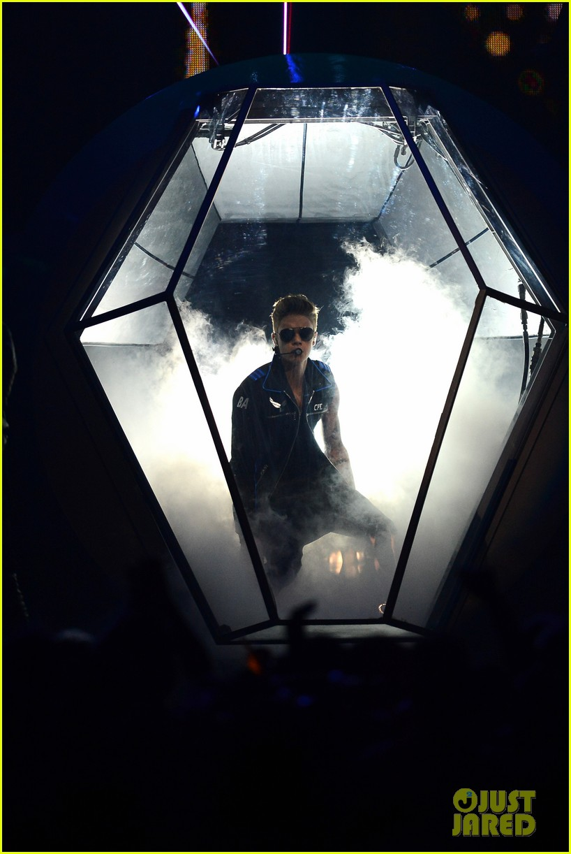 justin bieber billboard music awards 2013 performance video 142874193