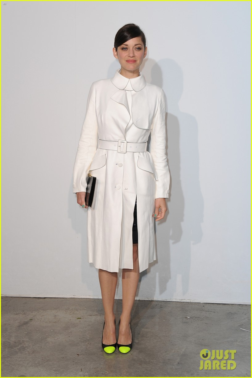 jessica biel marion cotillard dior cruise collection show 02
