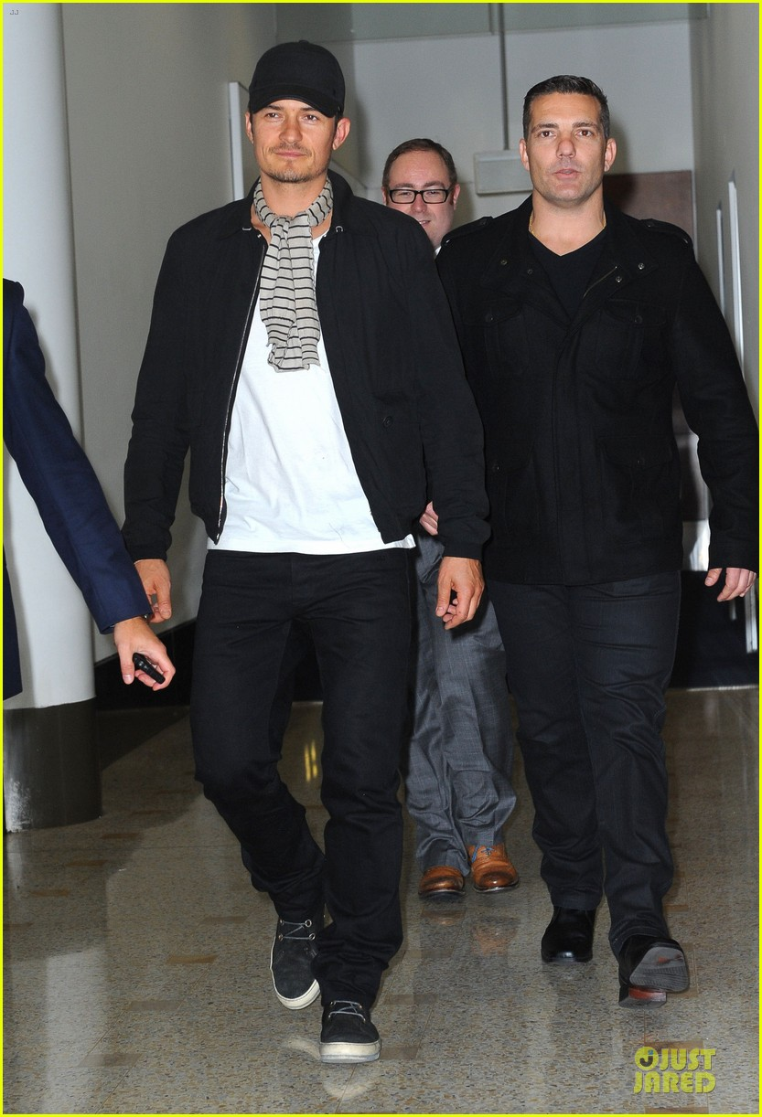 orlando bloom australia arrival after cannes 082879758
