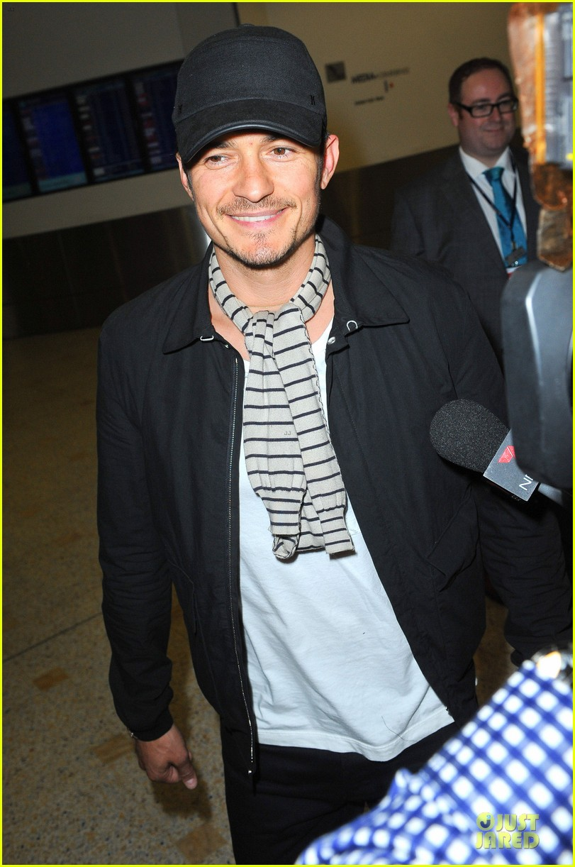 orlando bloom australia arrival after cannes 10