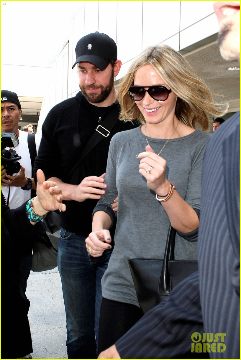 emily blunt john krasinski return to los angeles 082868189