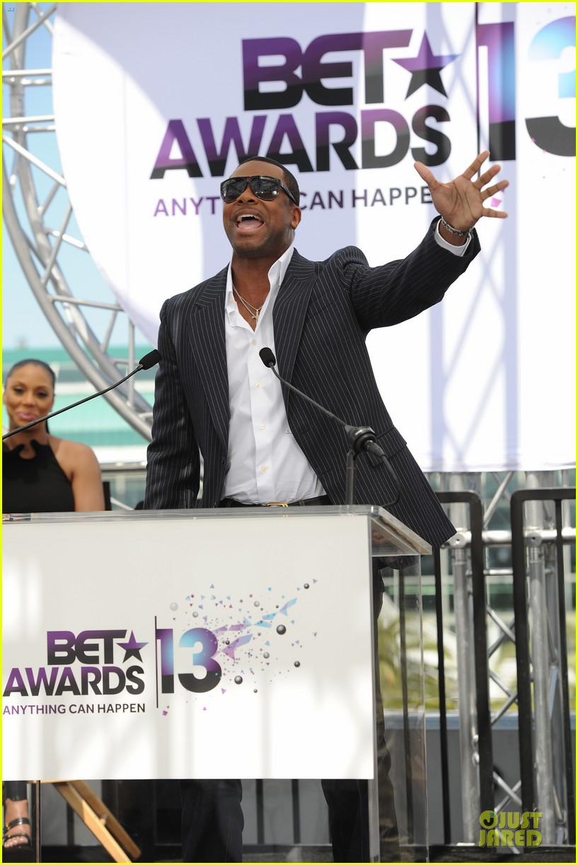 chris brown bet awards press conference 03