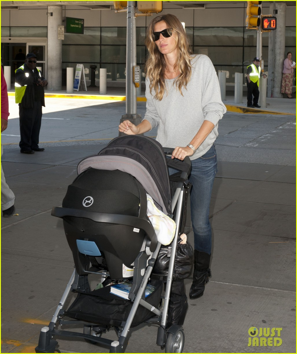 gisele bundchen vivian fly to nyc after hm campaign news 052862447