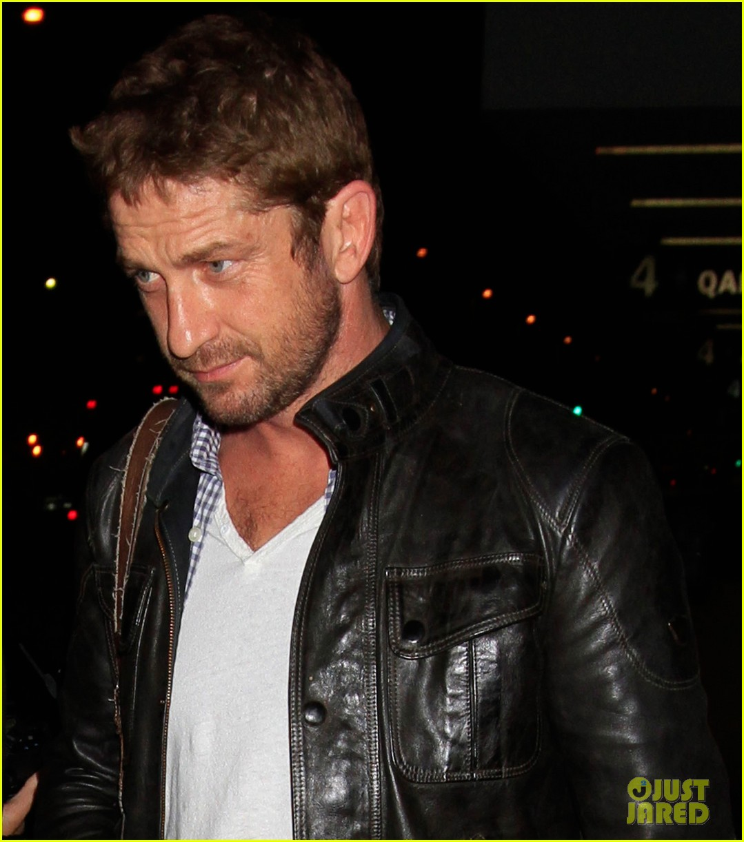 gerard butler from new york to lax 01