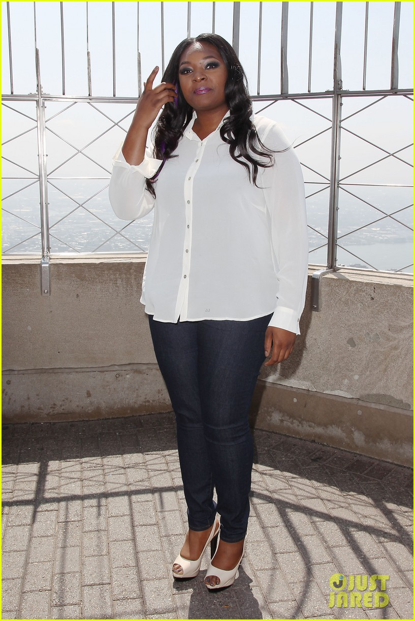 american idol winner candice glover visits empire state building exclusive quotes 082875596
