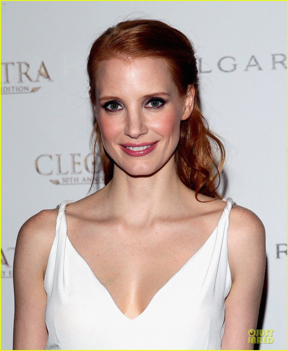 jessica chastain cleopatra cocktail party 02