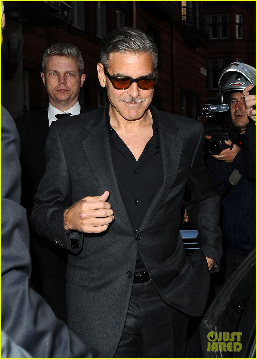 george clooney dines in london stacy keibler hits grand prix 02