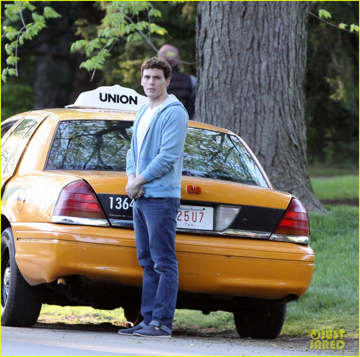 lily collins sam claflin film love rosie in toronto 05