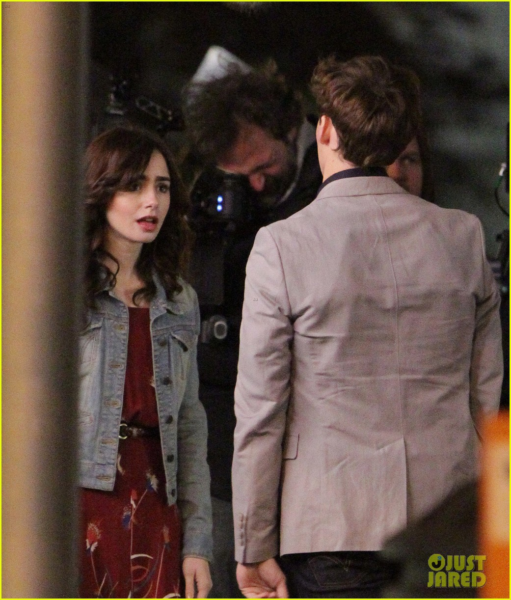lily collins sam claflin love rosie does great in presales 04