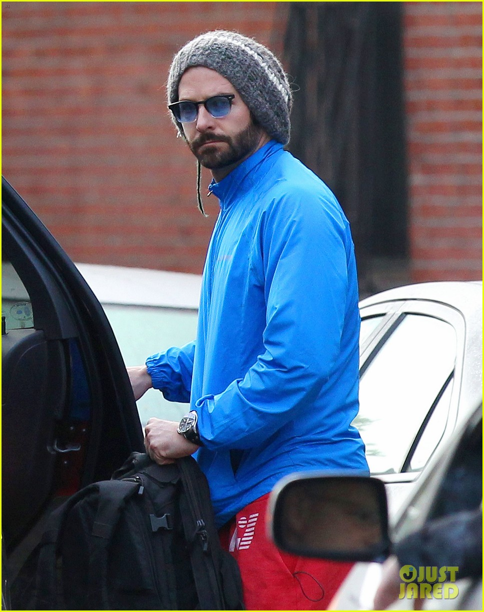 bradley cooper films american hustle after nyc weekend 082866691
