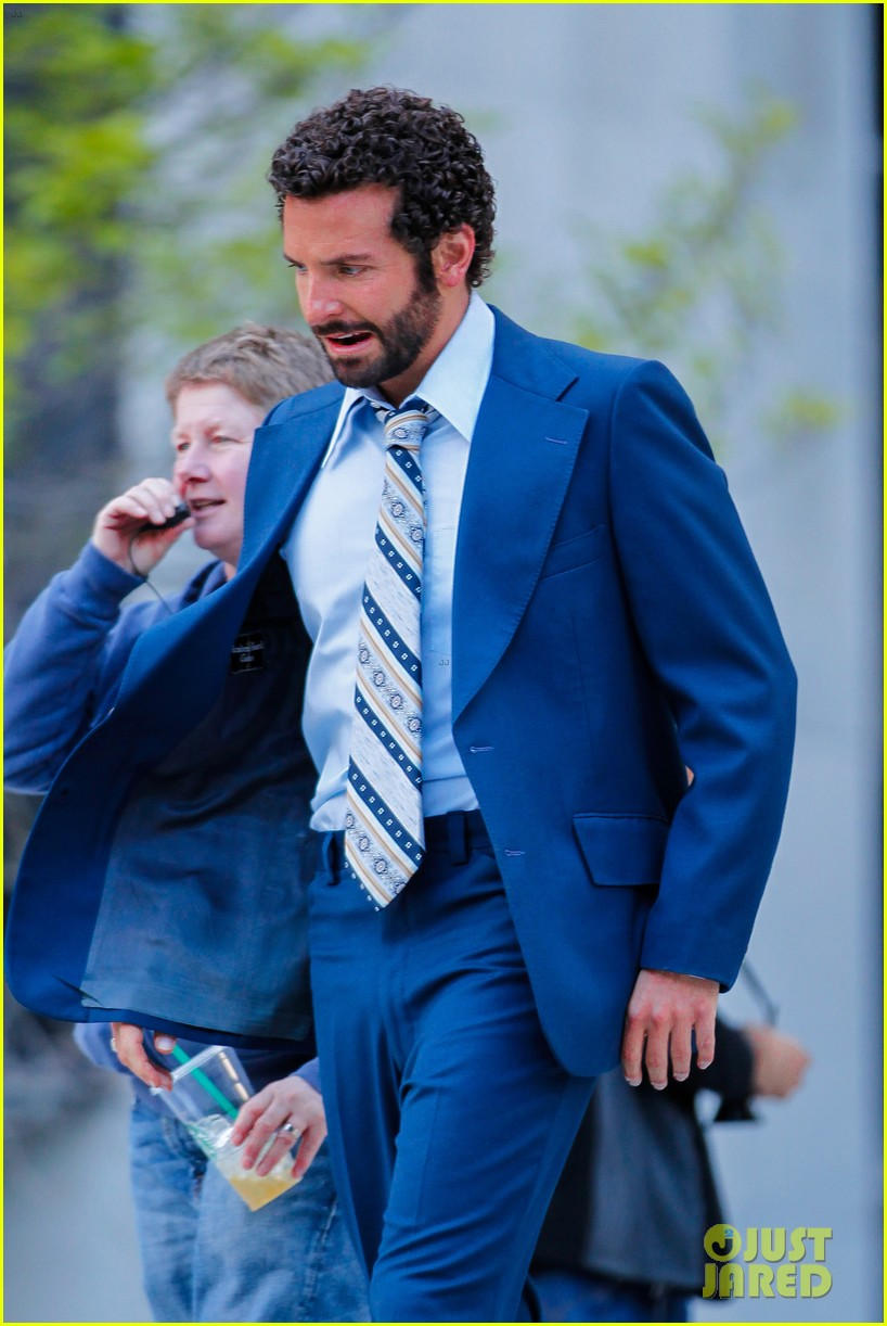 bradley cooper works out before filming american hustle 132873328