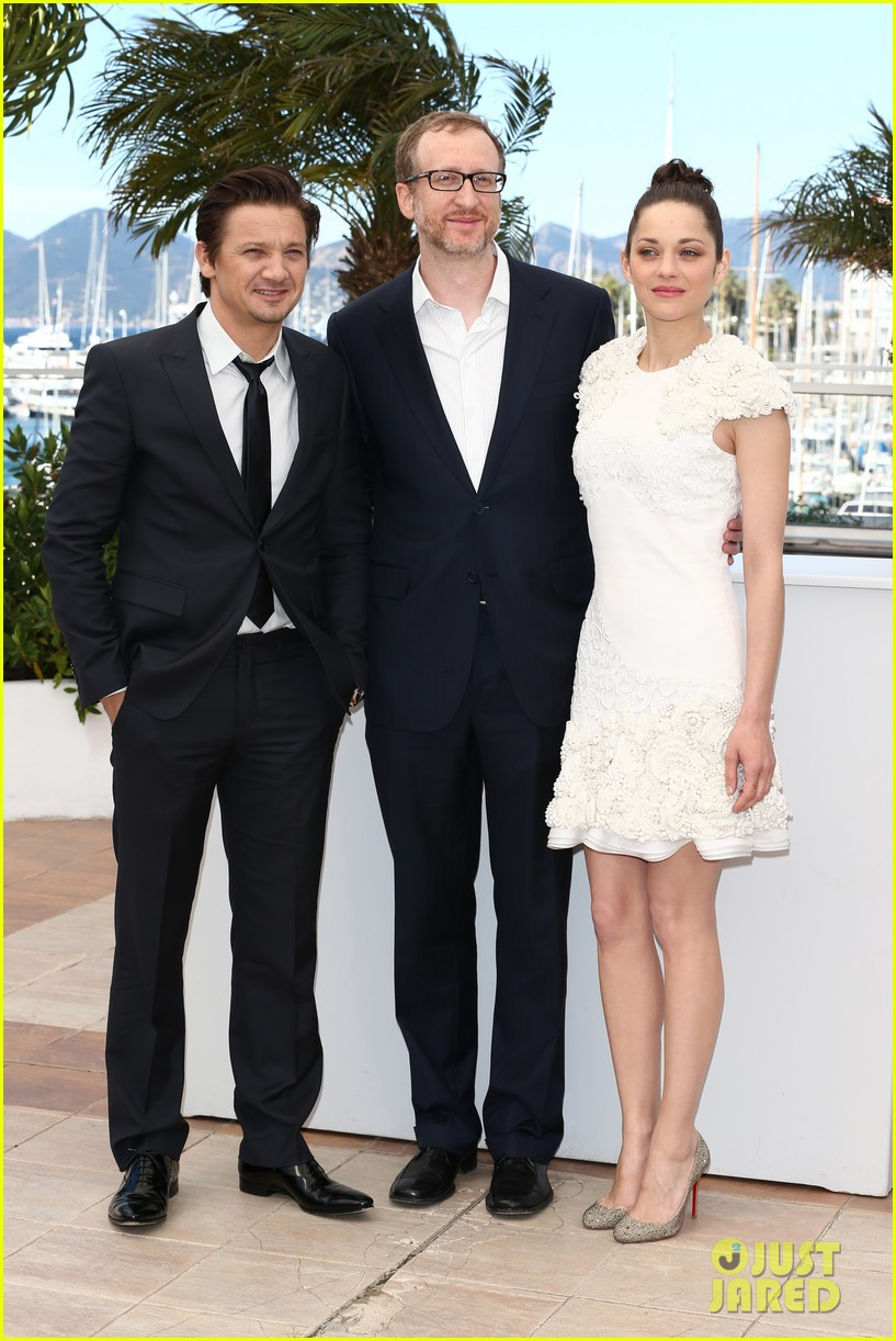 marion cotillard jeremy renner cannes the immigrant photo call 12