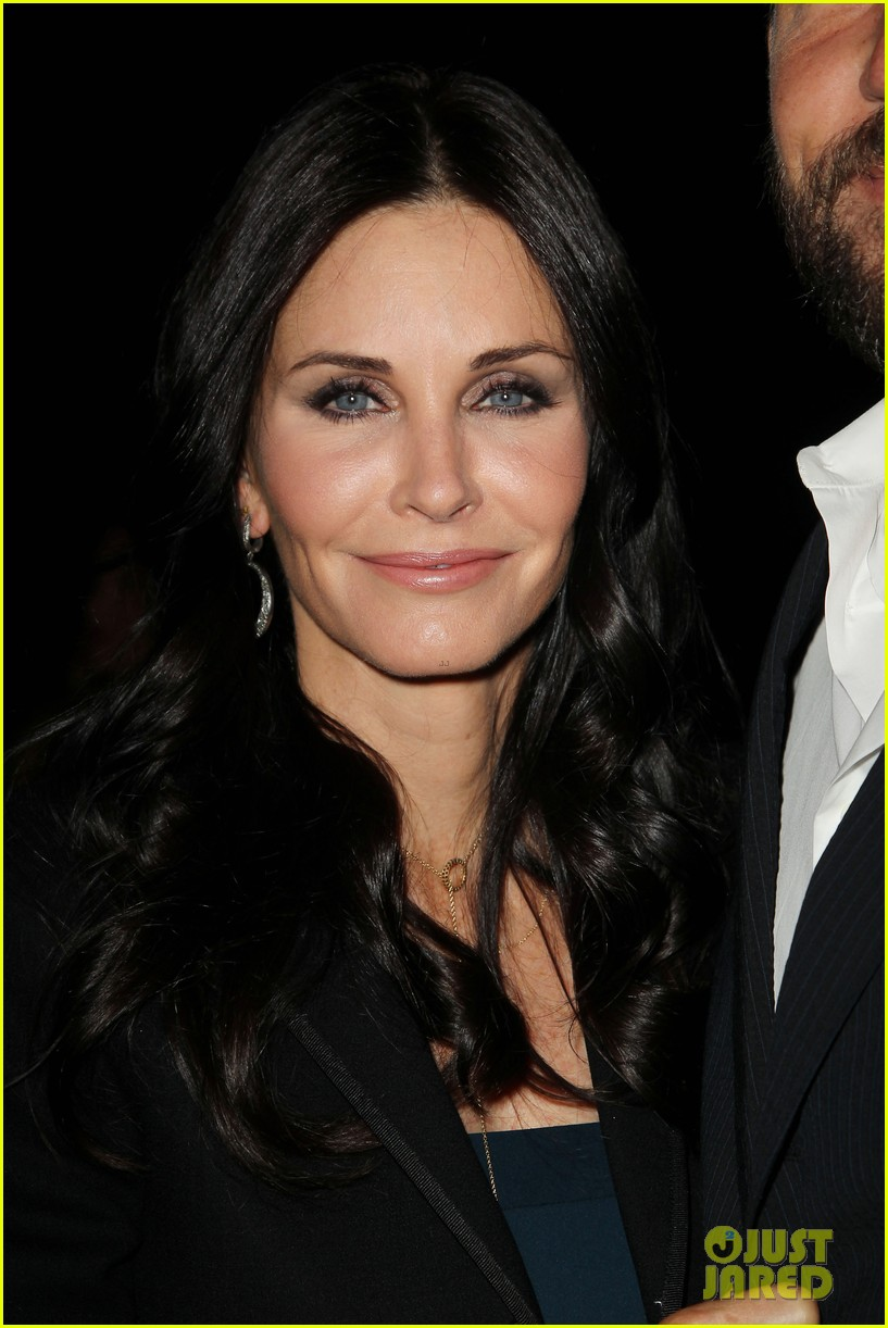 courteney cox rachael leigh cook tbs tnt upfront 2013 14