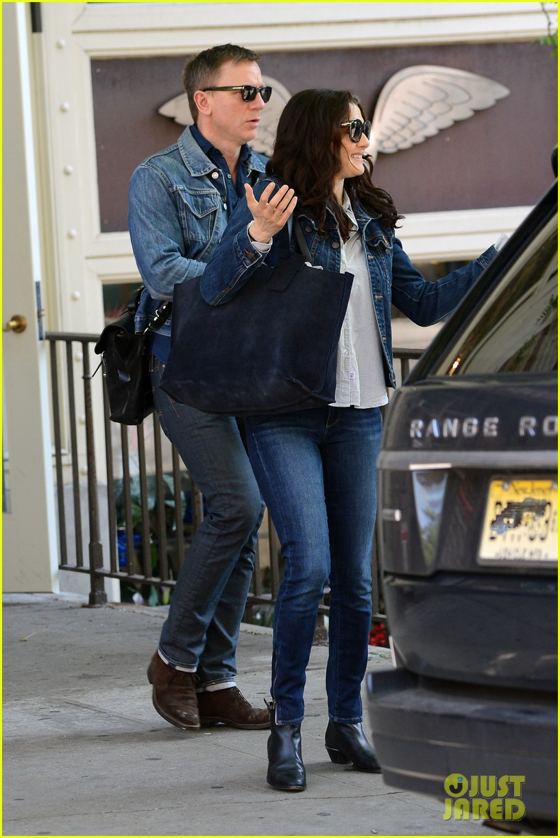 daniel craig rachel weisz denim jacket duo 08
