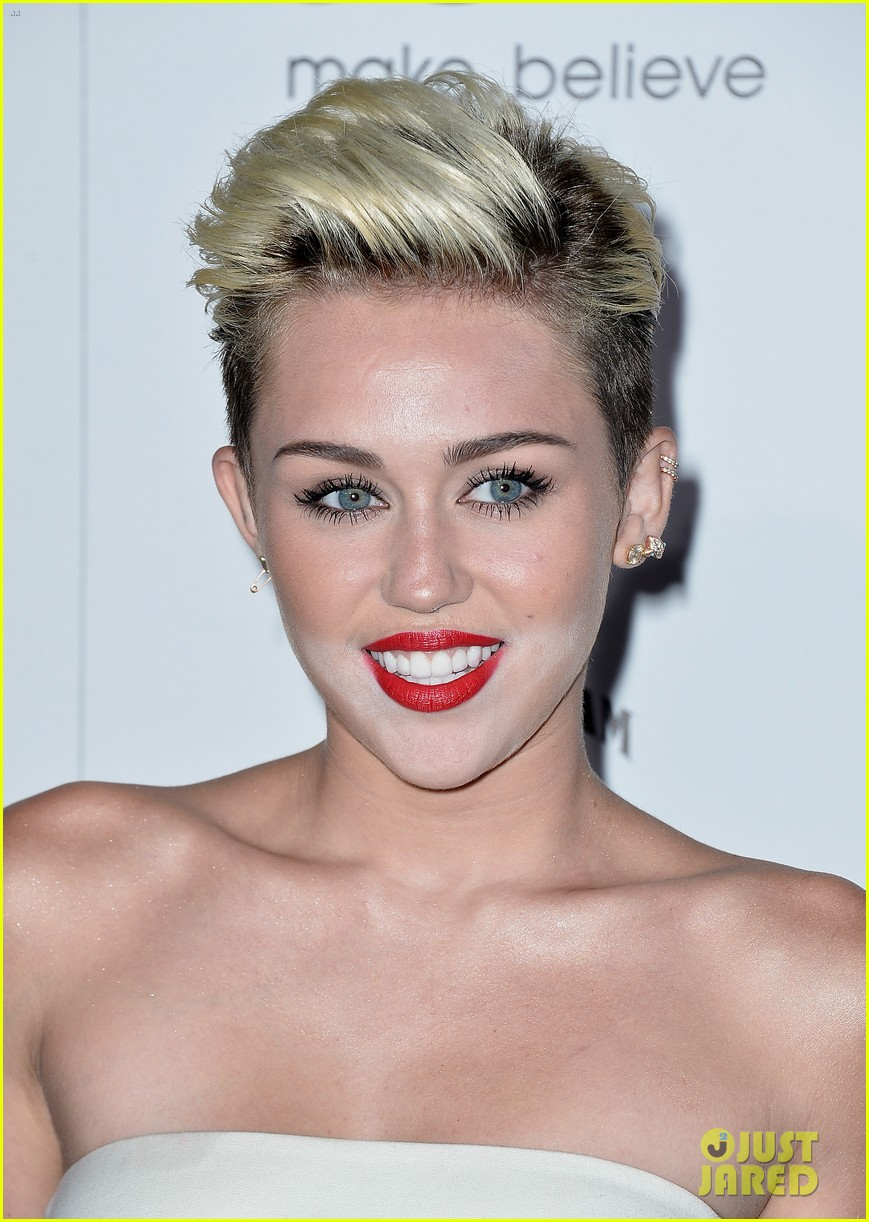 miley cyrus maxim hot 100 party 07