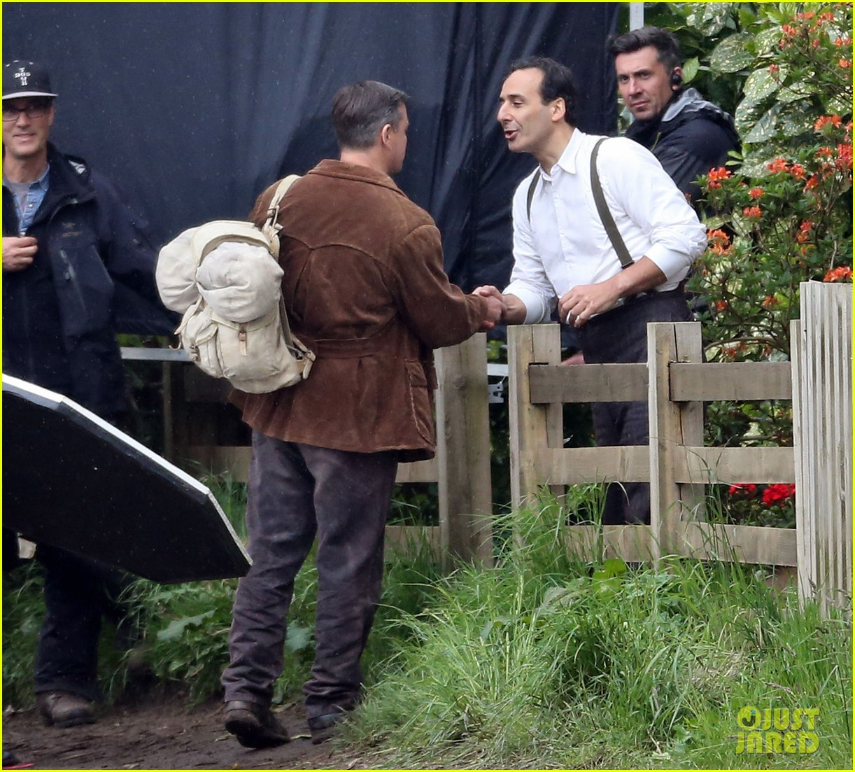 matt damon george clooney get to work on monuments men 05