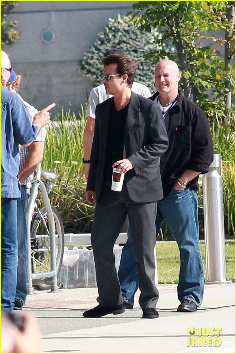 johnny depp transcendence coffee break 022868650