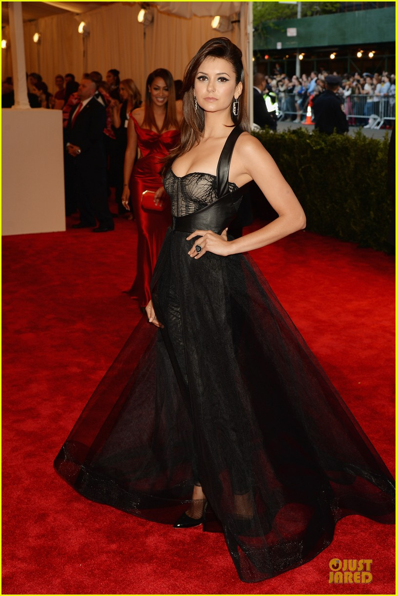 nina dobrev met ball 2013 red carpet 01