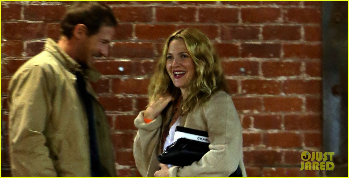 drew barrymore giggles after dinner date with will kopelman 03