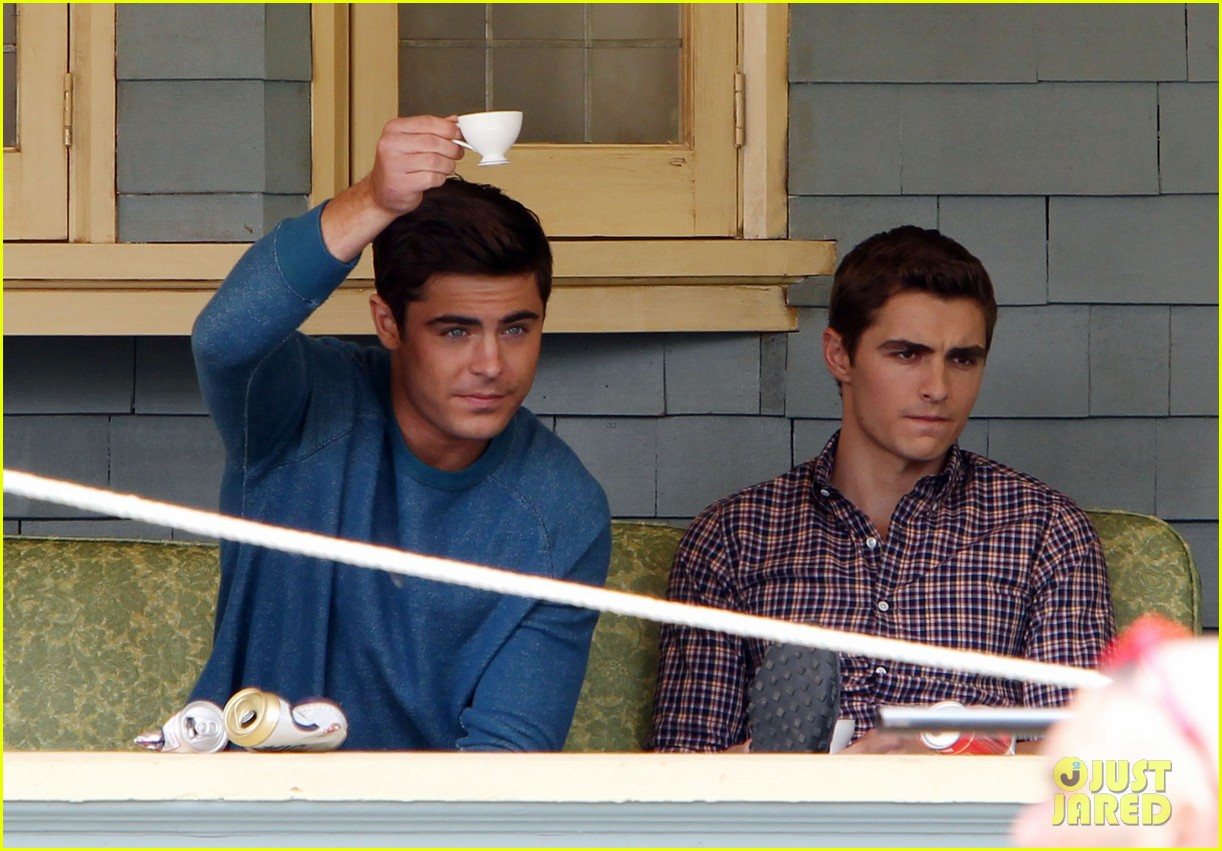 zac efron plays with big balls on townies set 102866680
