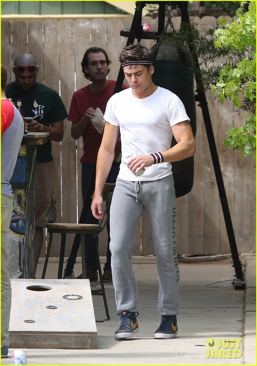 zac efron sweats it out with dave franco on townies set 012867013