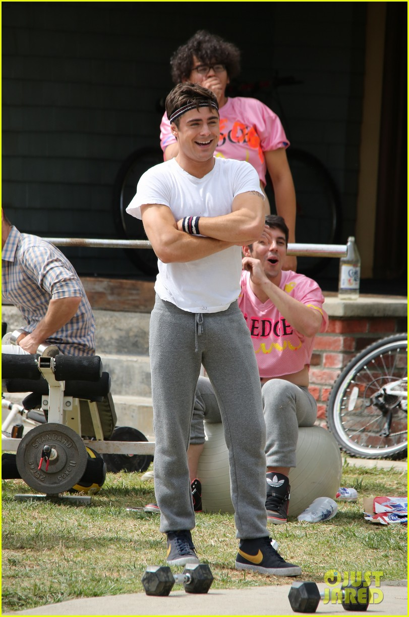 zac efron sweats it out with dave franco on townies set 12