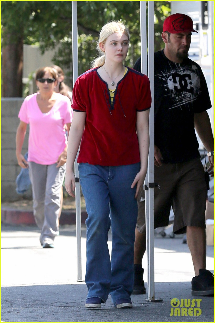 elle fanning hangs out on low down set 06
