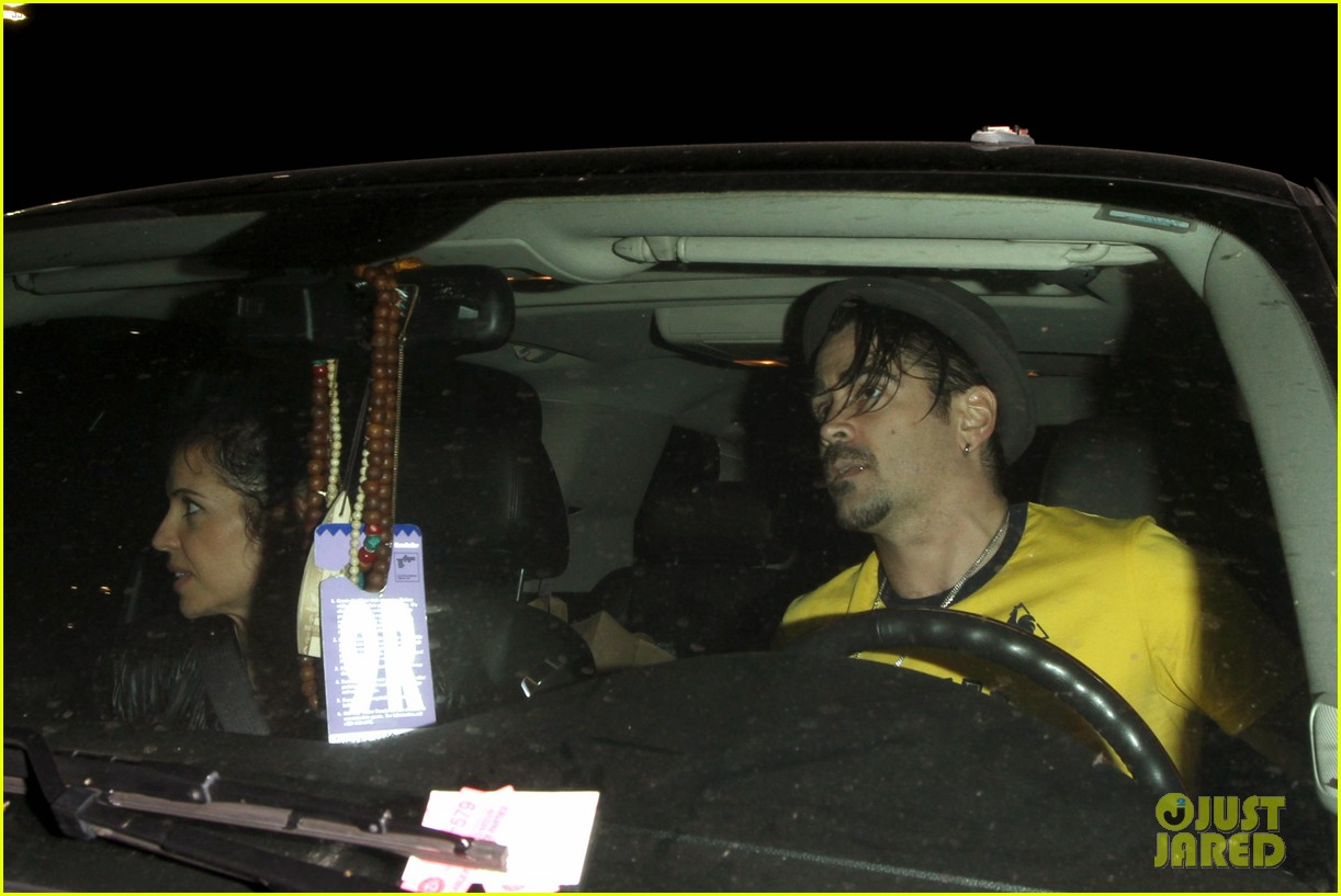 colin farrell picks up groceries on epic opening night 10