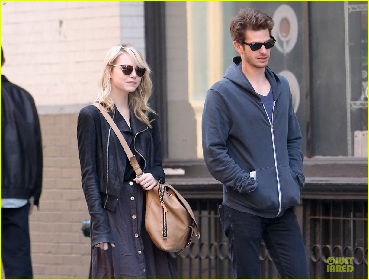 emma stone andrew garfield morning stroll before amazing spiderman 2 filming 022870380