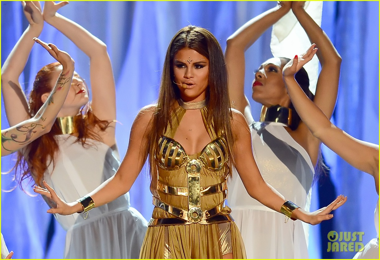 selena gomez billboard music awards 2013 performance video 082874069