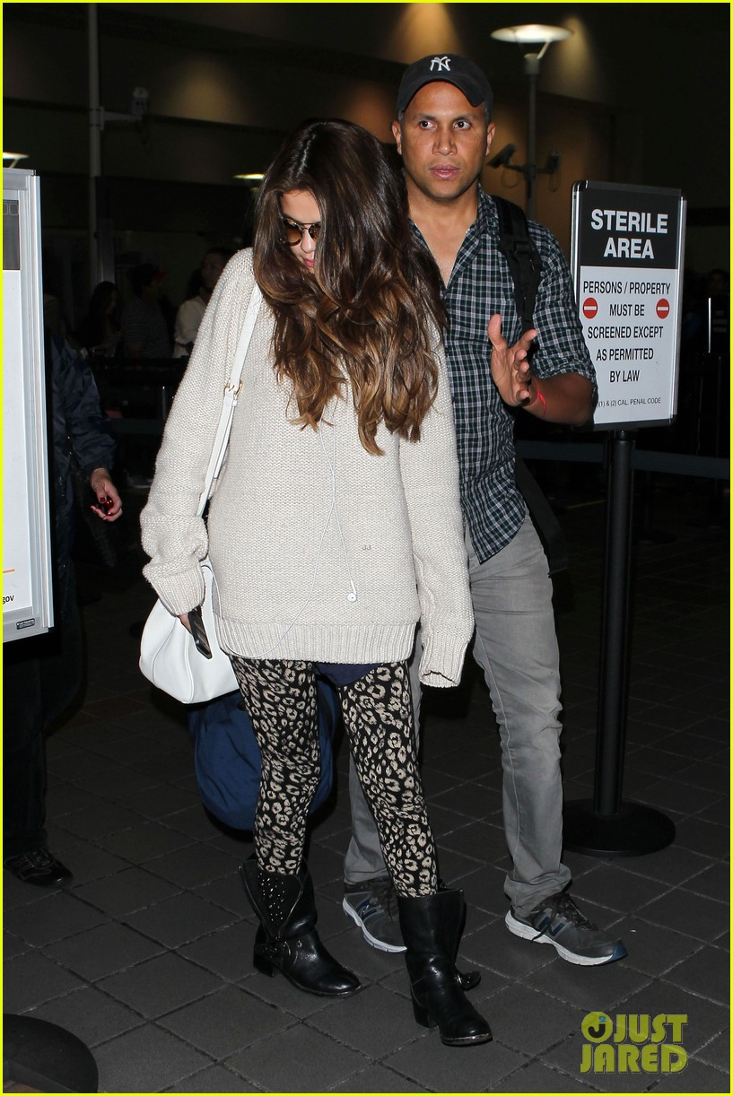 selena gomez back in los angeles after press tour 11