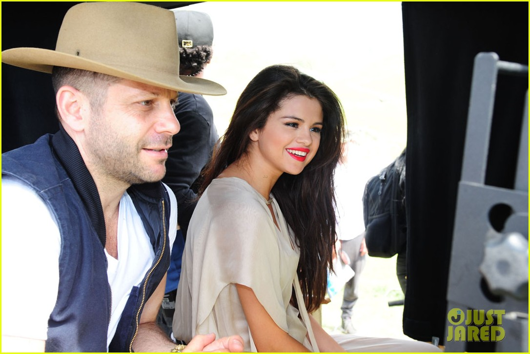 selena gomez come get it video shoot pictures 102866544