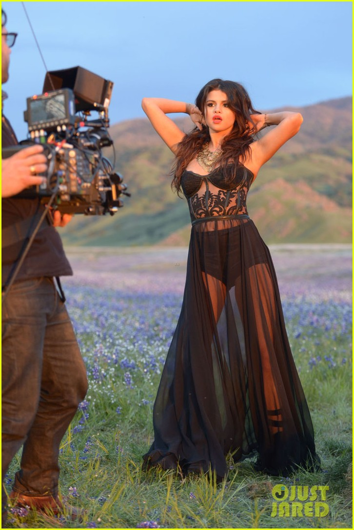selena gomez come get it video shoot pictures 32