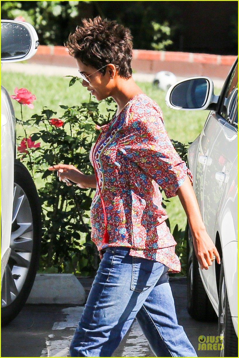 halle berry pregnancy is a miracle 132870247