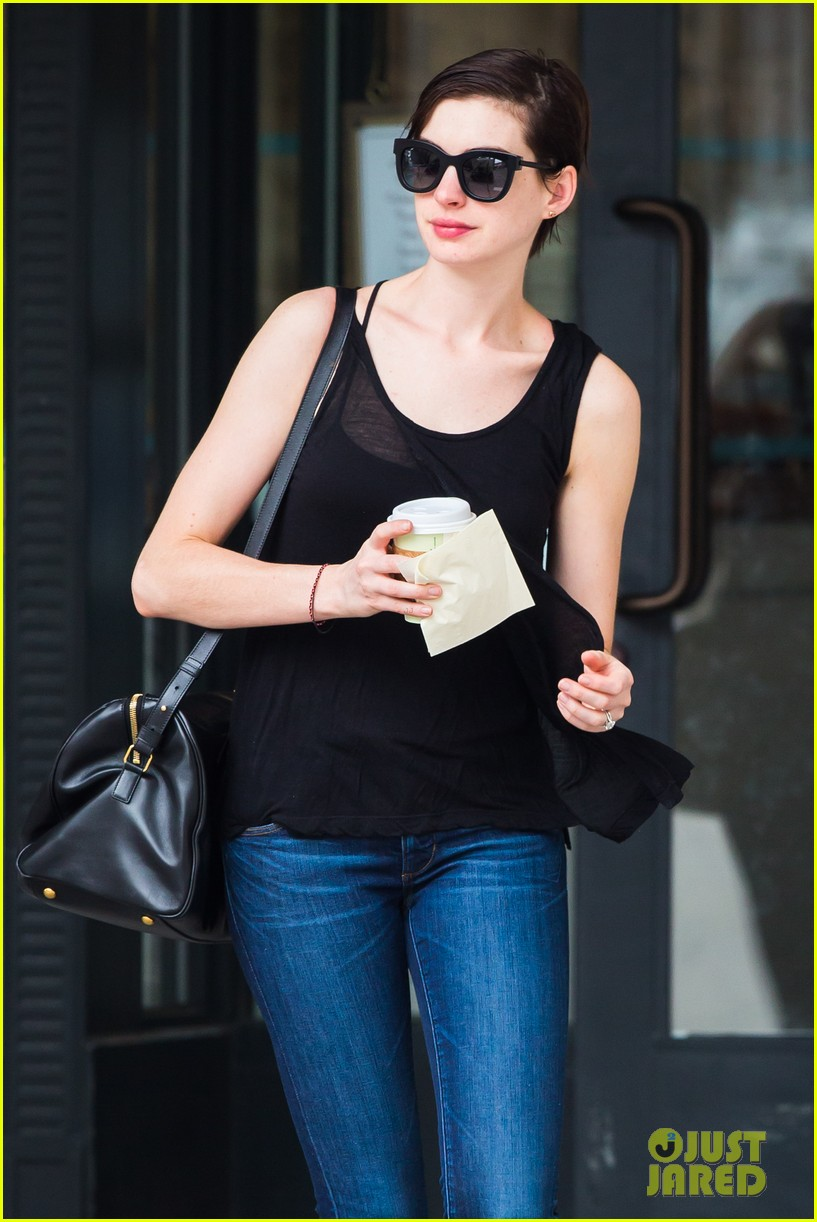 anne hathaway back to brunette 042879476