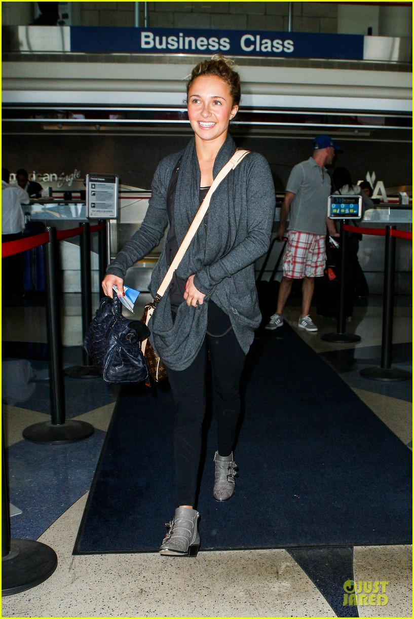 hayden panettiere conne britton memorial day weekend lax departures 012877965