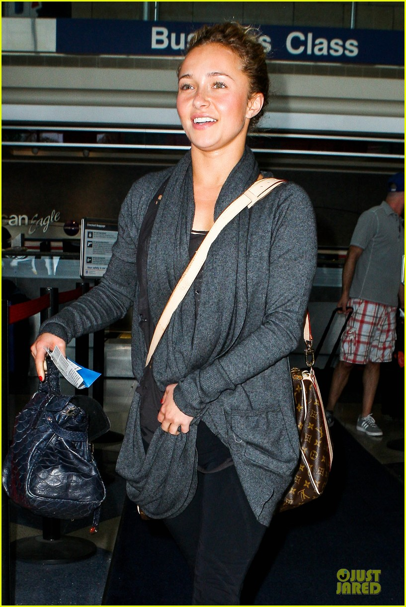 hayden panettiere conne britton memorial day weekend lax departures 082877972