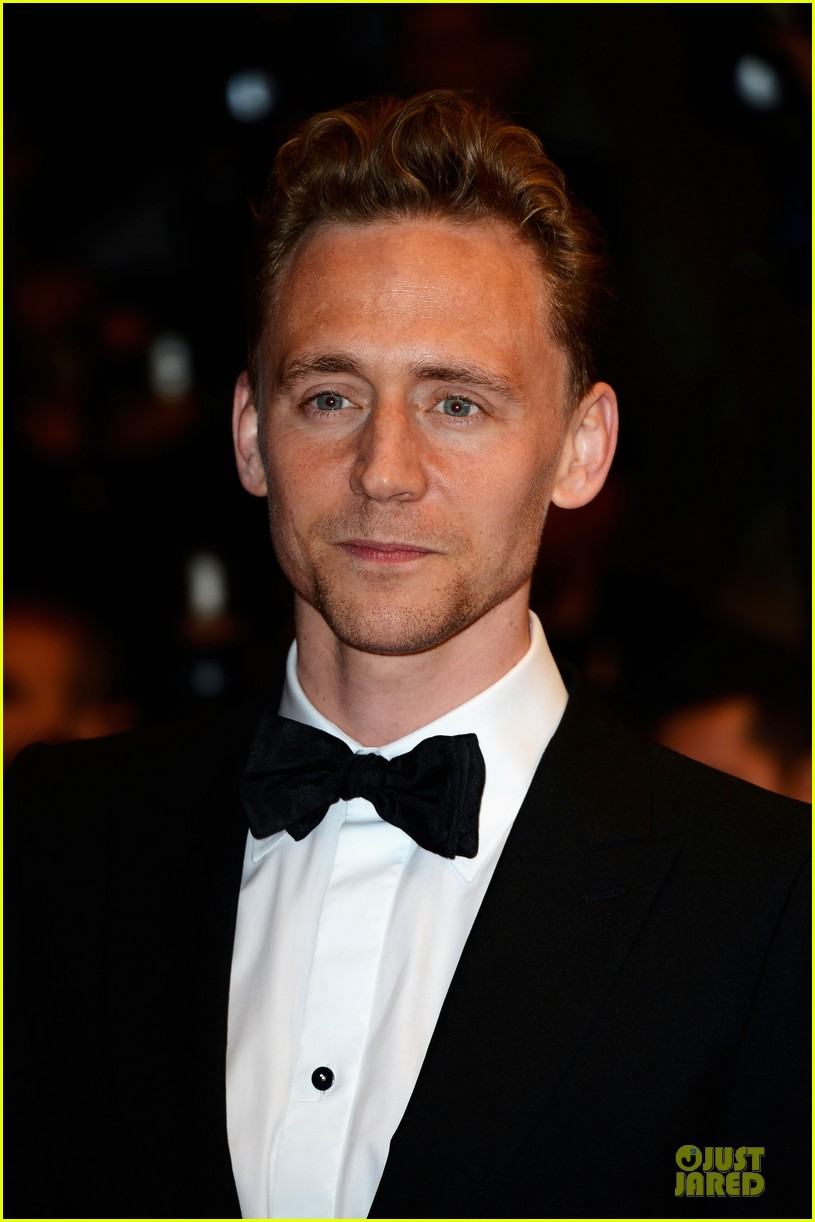 tom hiddleston tilda swinton hold hands at only lovers left alive premiere 06