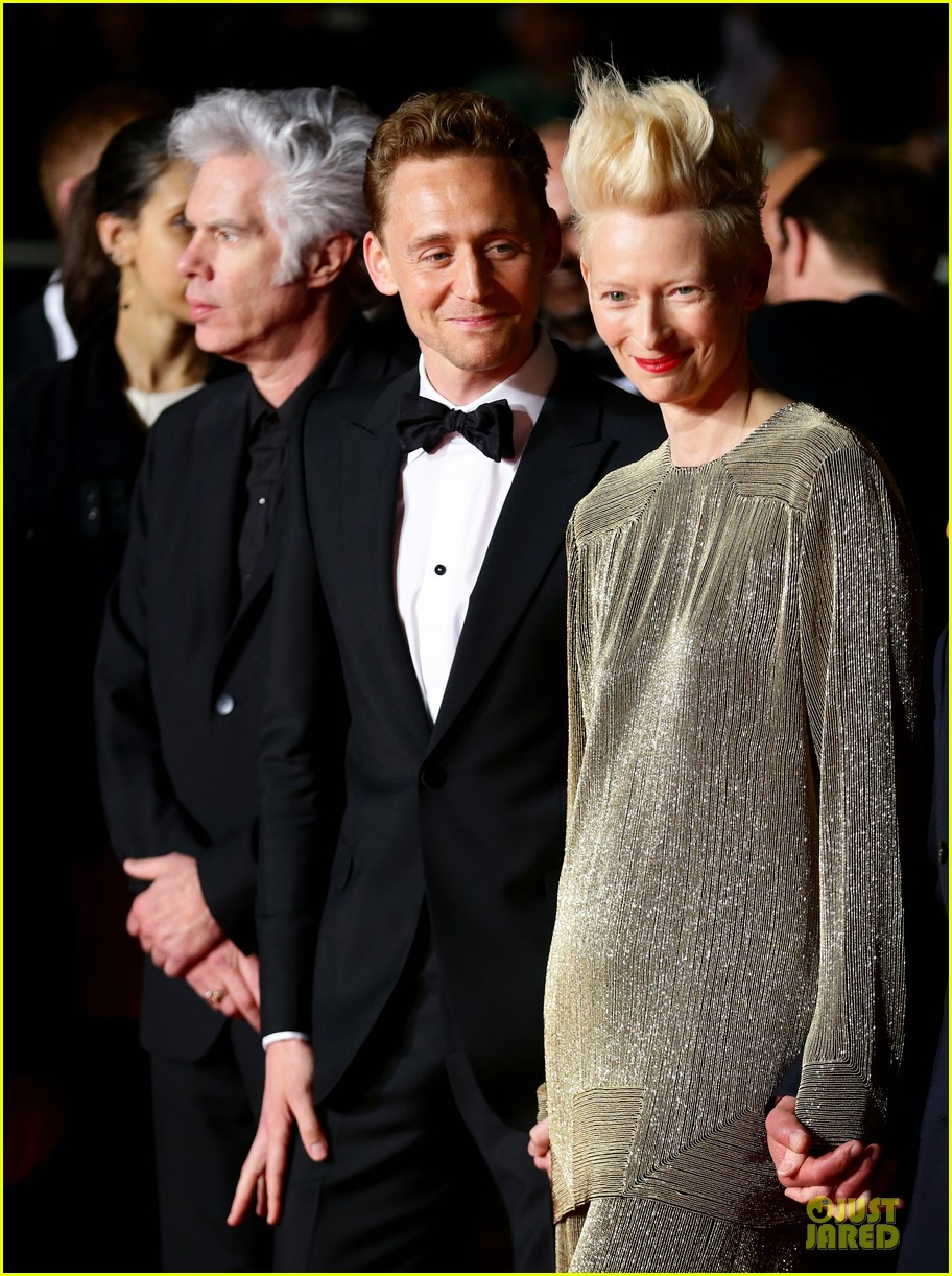 tom hiddleston tilda swinton hold hands at only lovers left alive premiere 202878045