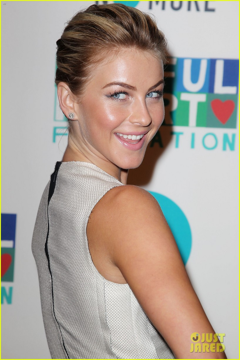 julianne hough megan hilty joyful heart gala 2013 372867587