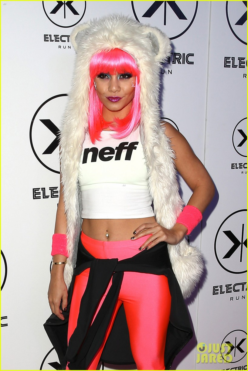 vanessa hudgens bright pink wig for electric run 2013 11