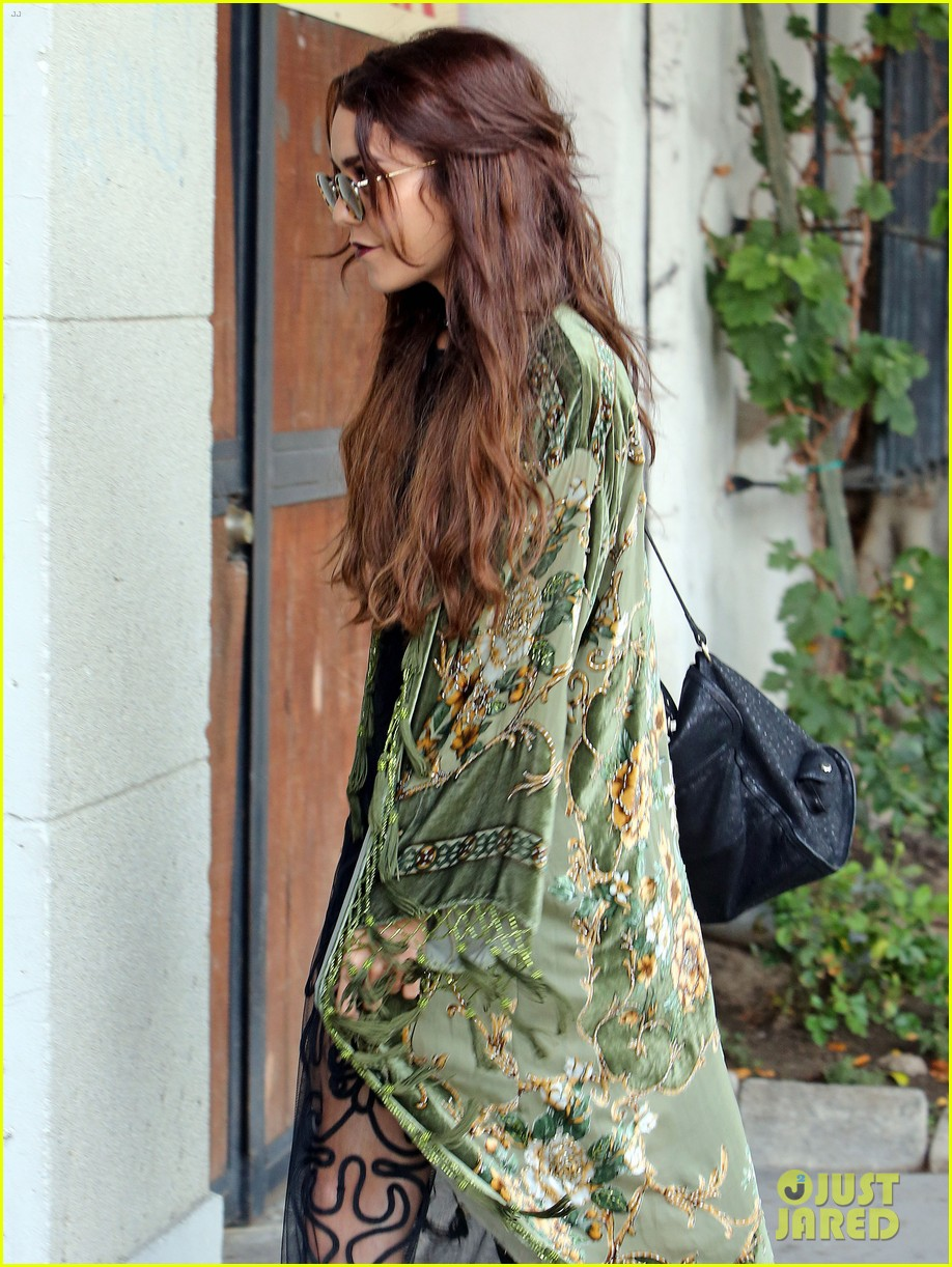 vanessa hudgens hipster chic style at hair salon 18