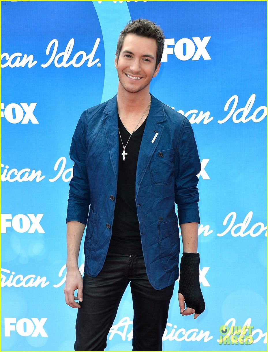 american idol top five guys walk finale red carpet 112871953