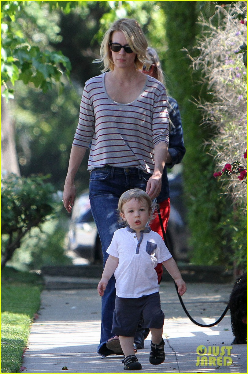 january jones xander walks in front of mommy 16
