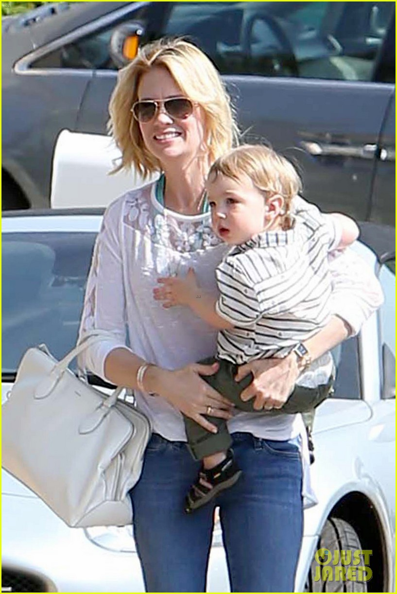 january jones pacific palisades with xander 102864762